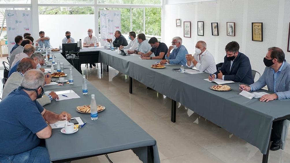 La reunión del gobernador y los intendentes de la Costa Atlántica.