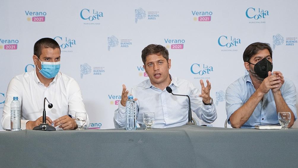 """En una conferencia de prensa en San Bernardo, Kicillof evitó hacer pronósticos y dijo que todo dependerá de """"cómo actuemos como sociedad""""."""