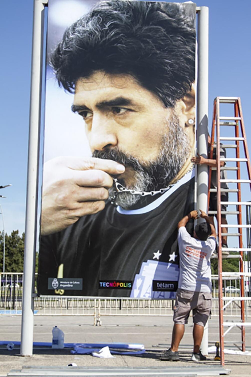 La muestra se realizó seleccionando 10 fotografías de la vida de Maradona.