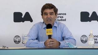 """Quirós pidió """"disminuir viajes internacionales"""" para evitar ingreso de la variante Delta"""