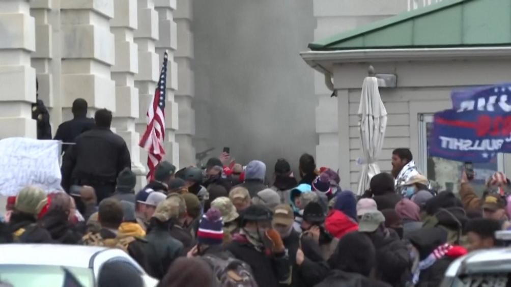Líderes del mundo y ONGs repudian la violencia suscitada por manifestantes en el Capitolio