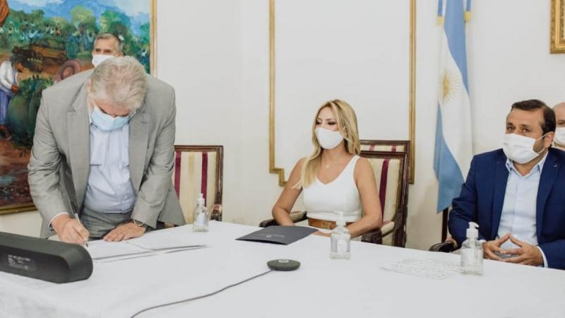 La Primera Dama y el gobernador Ahuad anunciaron donación de fondos con fines educativos