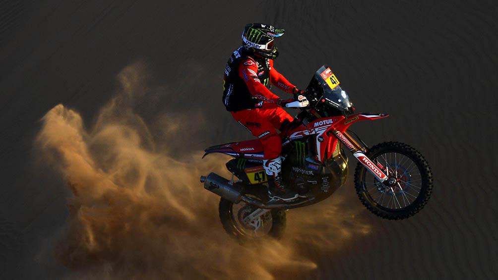 Benavides lidera en motos tras superar un accidente y ganar la quinta etapa
