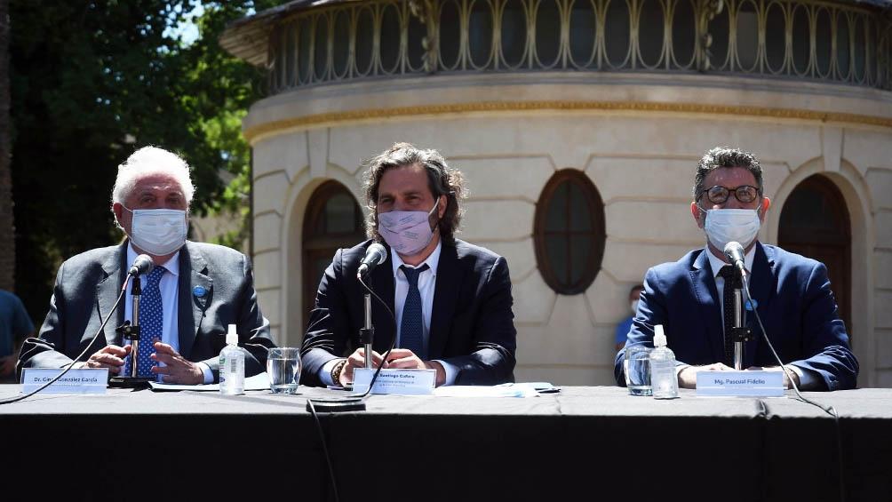 """Santiago Cafiero anticipó que las restricciones """"no van a alterar la temporada"""" de verano."""