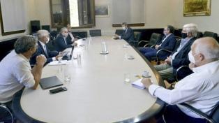 Presentan un compromiso de abastecimiento de maíz y el Gobierno evalúa levantar suspensión de exportaciones