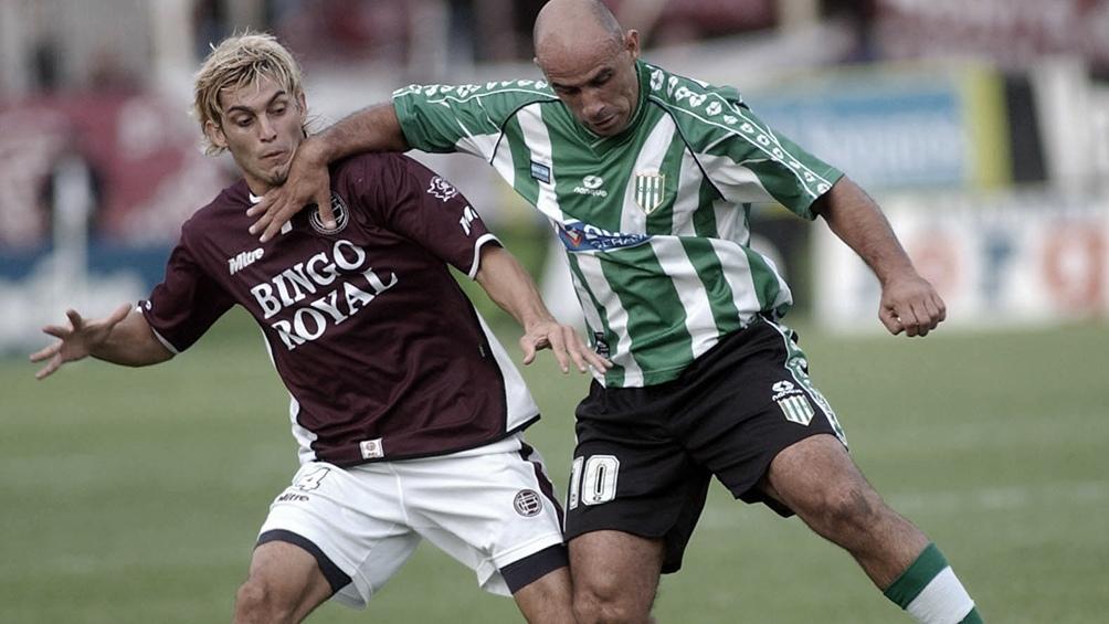 Sánchez debutó en primera fue el 26 de noviembre de 1993