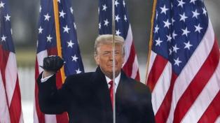 Trump anunció la reapertura de las fronteras aéreas y Biden lo desmintió