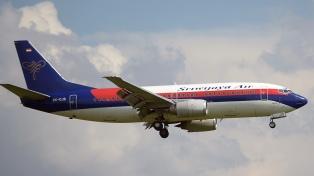 Continúa la búsqueda del avión que desapareció tras despegar en Yakarta