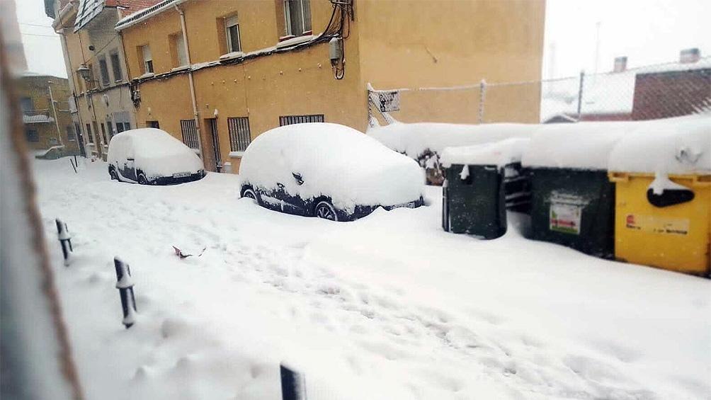 La nieve perturbó la circulación en unas 400 carreteras