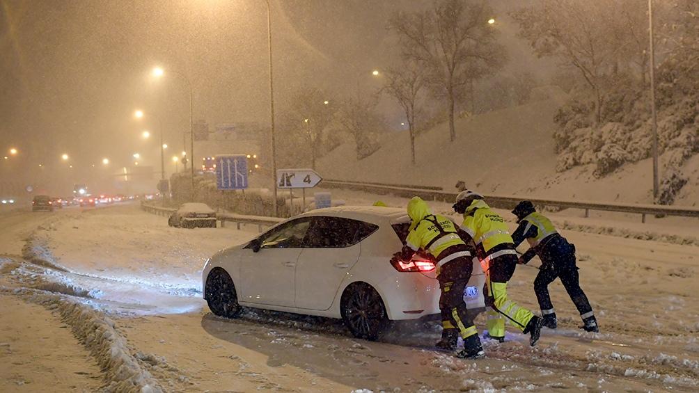 Madrid tiene solo despejadas de nieve un total de 1.343 de sus 9.000 calles.