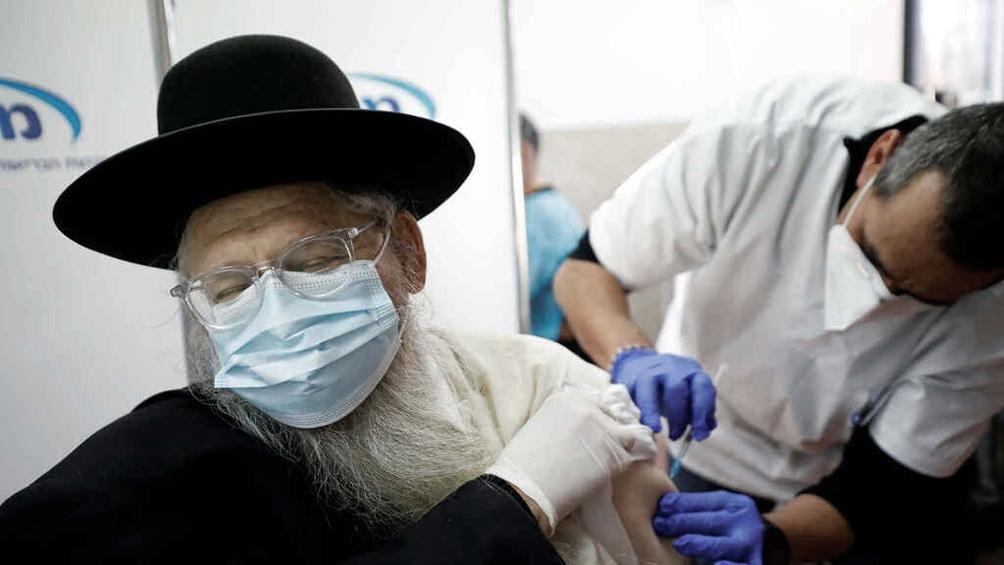 اسرائیل در حال حاضر 76688 مورد فعال و 4419 مرگ در مقایسه با 4779 مورد فعال و 1428 مرگ در کرانه باختری و 5603 و 497 مورد غزه دارد.