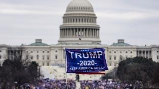 Siguen los bloqueos y suspensiones a Trump y sus seguidores en las redes sociales