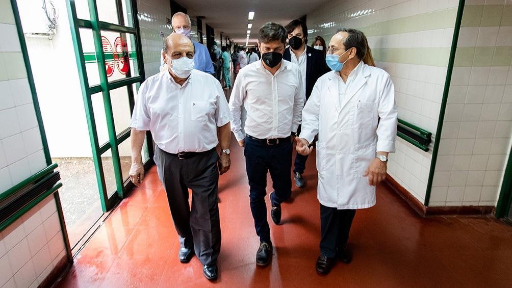 """El gobernador dijo que """"ya se han vacunado 40.000 trabajadores y trabajadoras de la salud en los 160 hospitales de la provincia de Buenos Aires""""."""