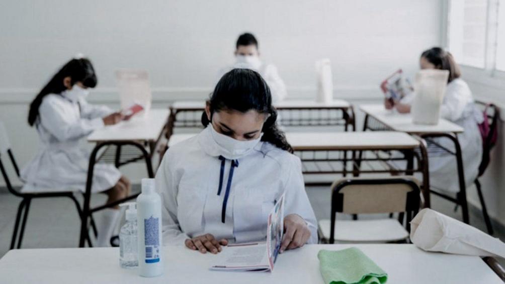 El Gobierno publicó el decreto de extensión del Dispo y prioriza el retorno a clases presenciales