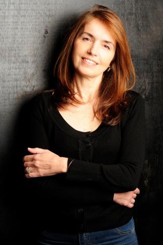 Gloria Casañas enseñó historia y literatura en los Estados Unidos.
