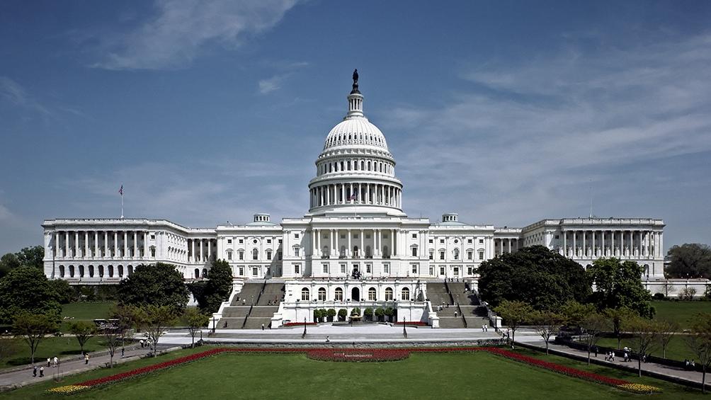 El texto volverá la semana que viene a la Cámara de Representantes, donde los demócratas tienen la mayoría.