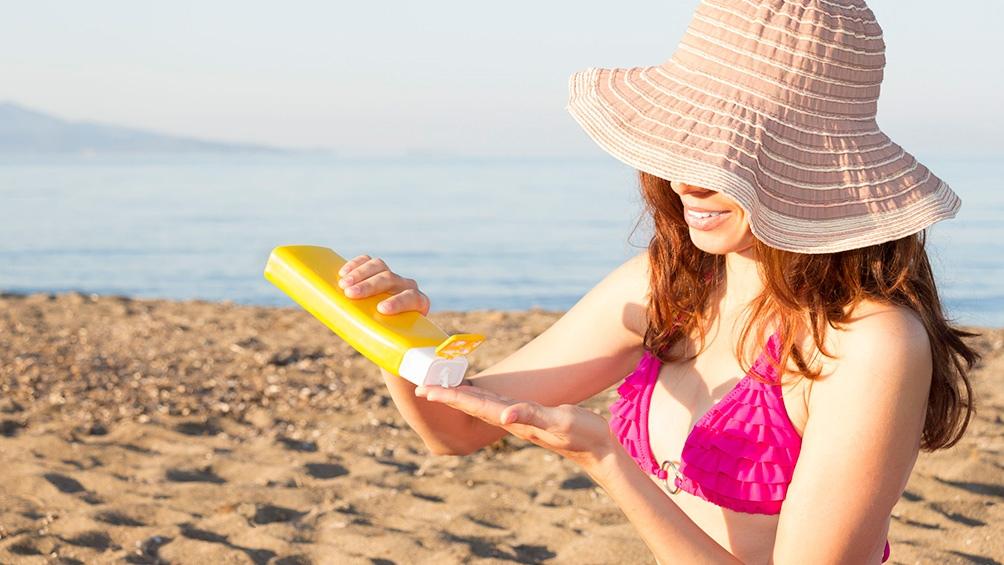 Se debe evitar la exposición al sol entre las 10 y las 16 horas