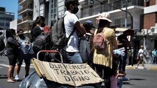 Una nueva protesta de manteros cortó las vías del tren Sarmiento a la altura de Flores
