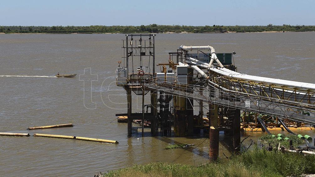 La bajante histórica del río Paraná preocupa a las autoridades.