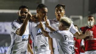 Santos goleó y eliminó a Boca de la Copa