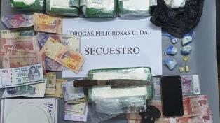 Secuestran cocaína valuada en 12 millones de pesos y detienen a dos sospechosos