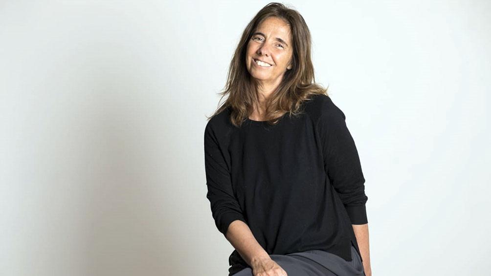 """La escritora Ernestina Perrens pone en cuestión la noción de territorio y el lugar de la mujer en un sistema tan patriarcal como el agrario en """"Tacurú"""" (Paradiso), su nueva novela."""