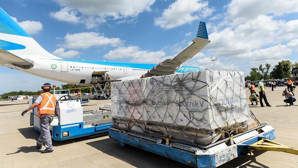 El domingo partirá otro vuelo a Rusia para traer otra tanda de vacunas Sputnik V