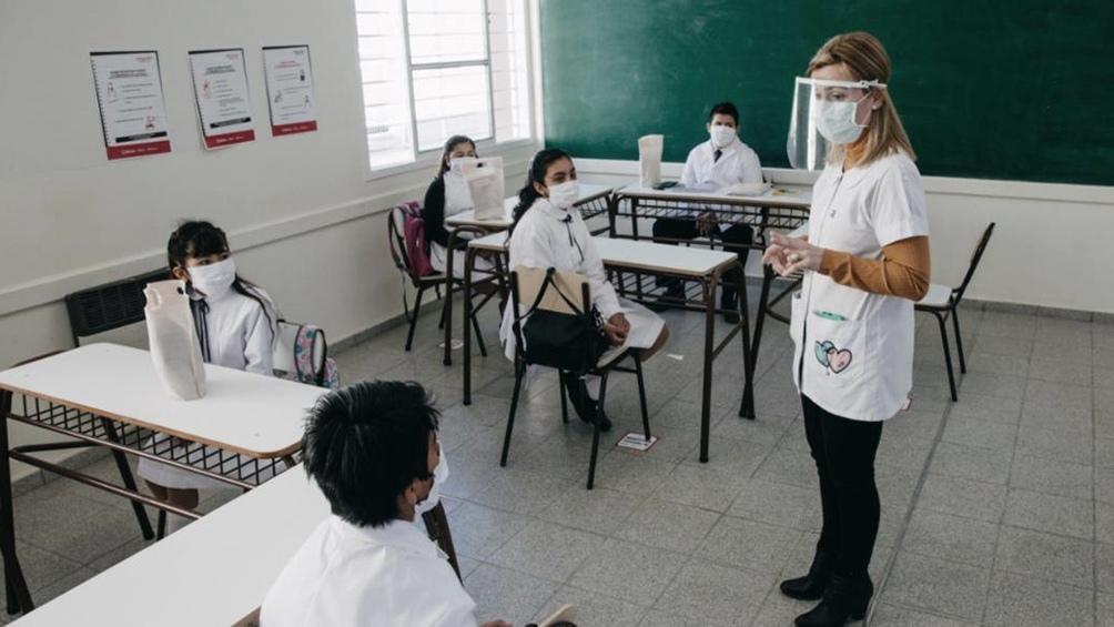 El Gobierno bonaerense ratifica su plan de volver a clases presenciales en marzo