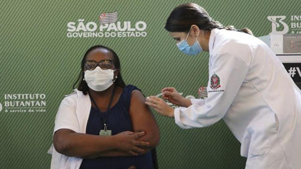 En Brasil, fueron administradas 31,2 millones de dosis al 14,75% por ciento de la población.