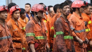 El rescate de los mineros atrapados desde hace 12 días demandará al menos dos semanas