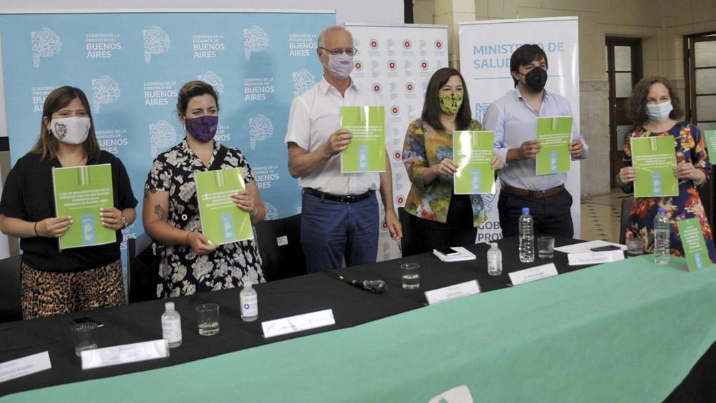 El ministro de Salud encabezó la presentación de la guía.