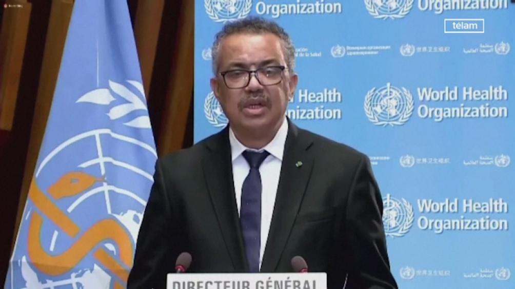 """La Organización Mundial de la Salud (OMS) advirtió hoy, en su último boletín semanal, que las infecciones mundiales por Covid-19 """"han aumentado por cuarta semana consecutiva"""""""