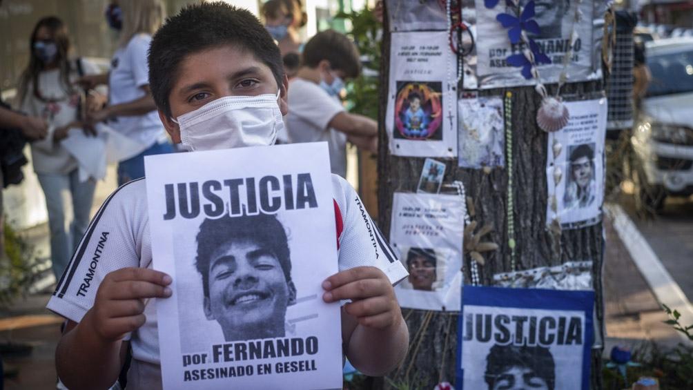 Se realizaron actos y homenajes en Villa Gesell y Recoleta a un año del crimen de Fernando Báez Sosa.