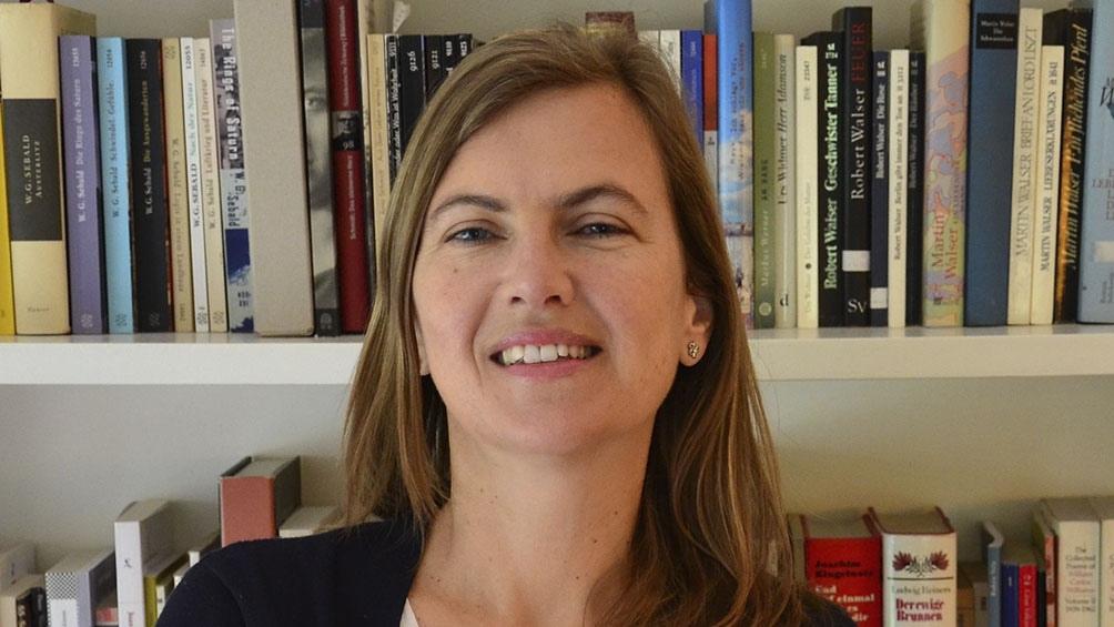 """""""Natalia Ginzburg, audazmente tímida"""" se puede leer en castellano por la tarea de traducción de Gabriela Adamo."""