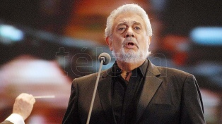 Plácido Domingo es ovacionado en su primera presentación, tras las denuncias de abuso