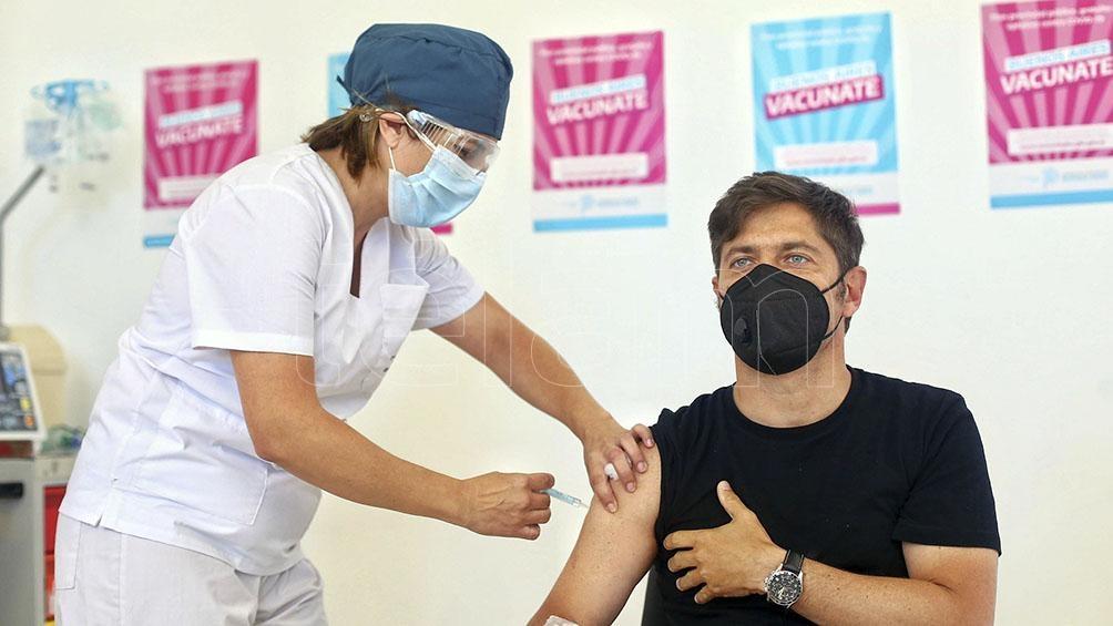 kicillof recibió la segunda dosis de la vacuna y participó del estudio sobre la producción de anticuerpos.
