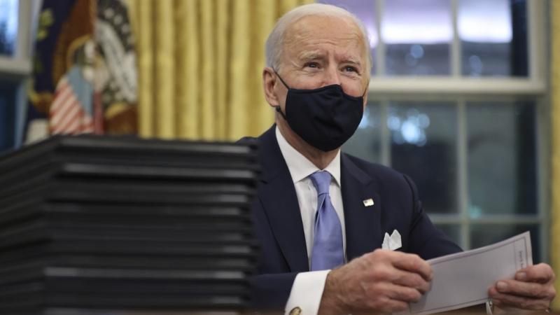 Biden decretará ayudas económicas temporales a la espera de gran ley de estímulo