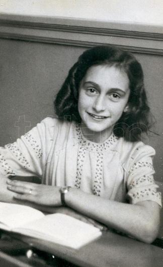Ana y sus apuntes, una foto que quedó en la historia.