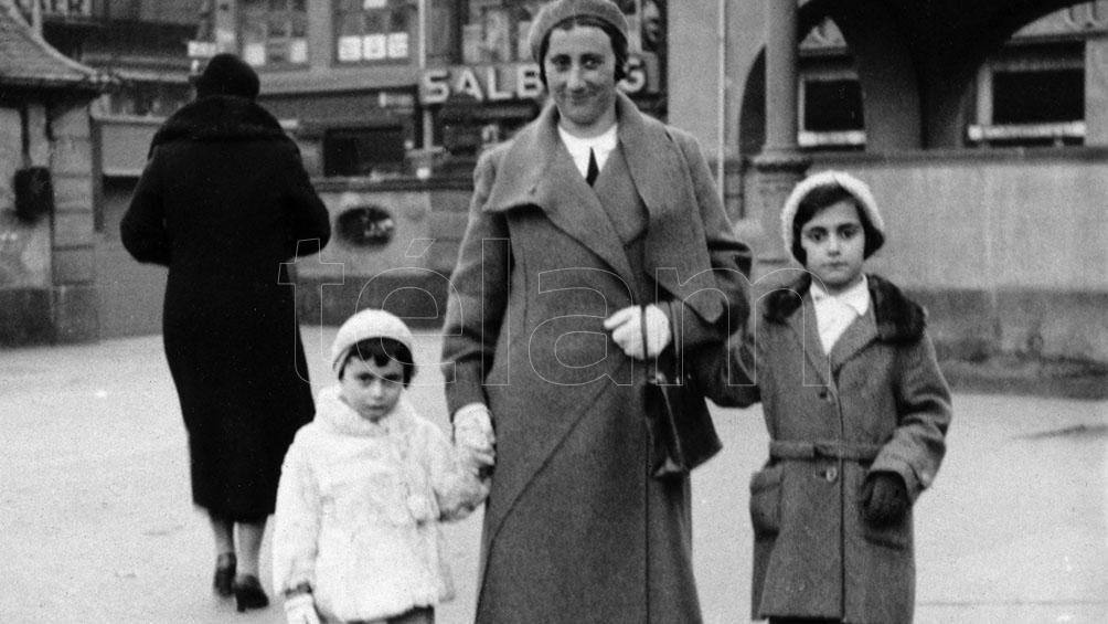 La familia Frank, en Frankfort, antes de tener que emigrar a Holanda.