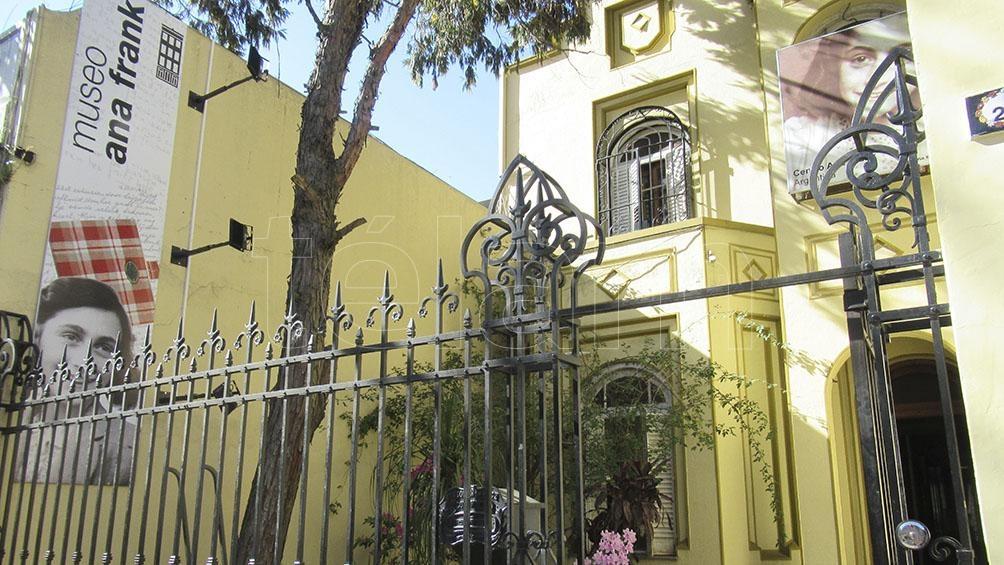 La casona del barrio de Saavedra, sede del Centro Ana Frank en Buenos Aires.