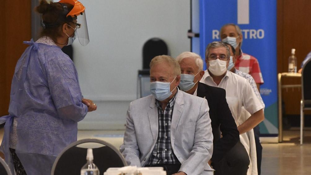 Un 63,44% de los infectados de  este lunes (13.667) corresponden a la Ciudad y a la provincia de Buenos Aires.