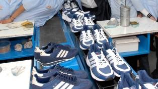 Reabre planta da marca esportiva Adidas, fechada durante o governo do macrismo