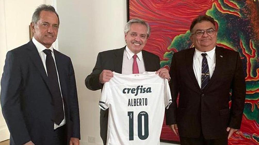 Alberto Fernández, Viana Rocha y el embajador Daniel Scioli.