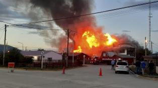 Un incendio destruyó la mítica panadería La Unión en Tolhuin