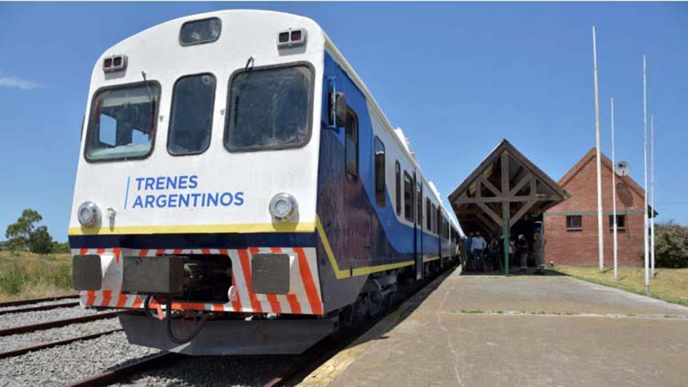 La formación circula todos los días y cuenta con 170 asientos y sale desde la estació de Constitución