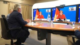 Alberto Fernández agradece Merkel apoio da Alemanha na negociação com o FMI