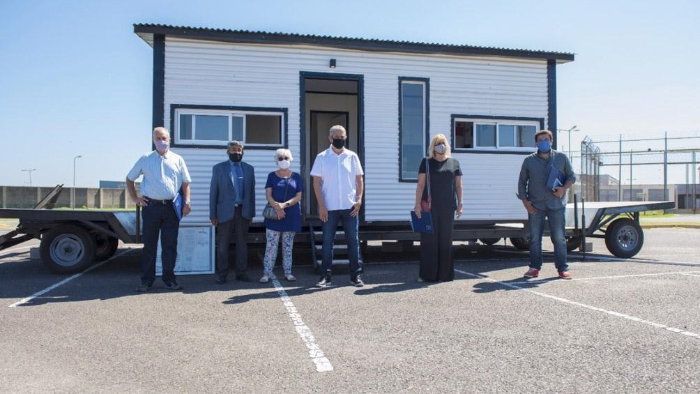Las viviendas las realizan internos a través de talleres de formación en oficio