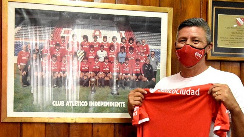 """Monzón firmó su contrato con el """"Rojo"""""""