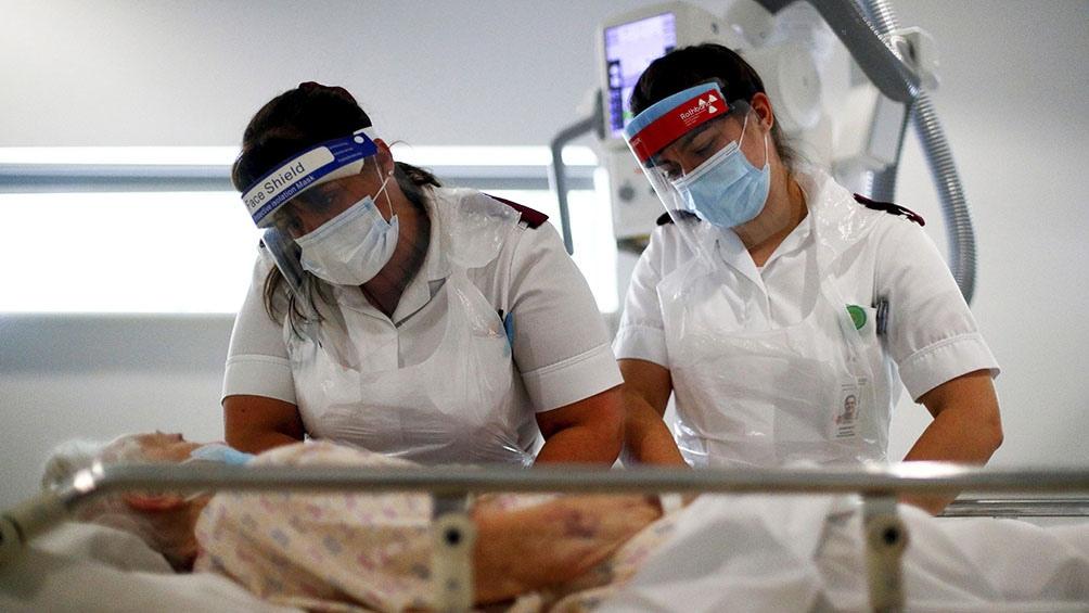 Un nuevo fármaco de anticuerpos reduce la internación o muerte en un 85%