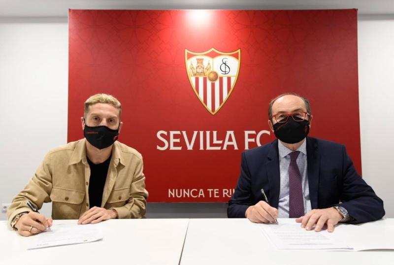 """""""Papu"""" Gómez, nuevo futbolista del Sevilla"""